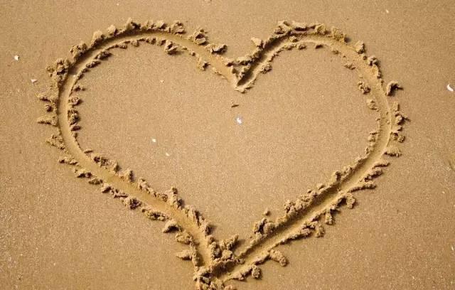人生最重要的一天,就是爱上自己的那一天